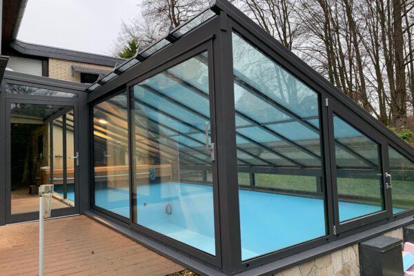 Hochwertige D & F Poolüberdachung in Bad Salzuflen