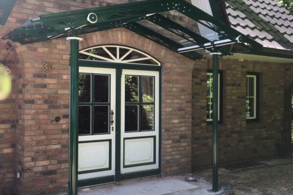 D & F Eingangsvordach als Satteldach