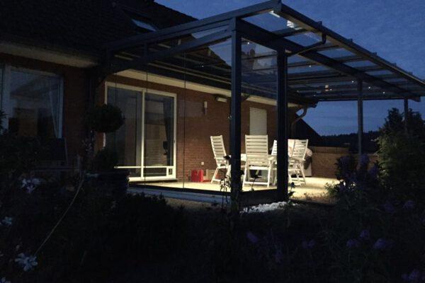 D & F Terrassenüberdachung mit LED-Beleuchtung